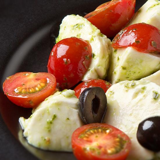 トマトとモッツァレラのサラダ カプリ風